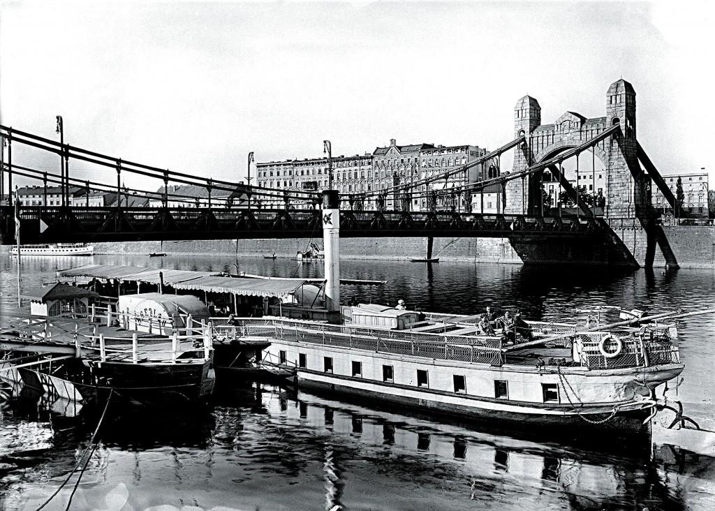 Passenger harbour for cruise ships.