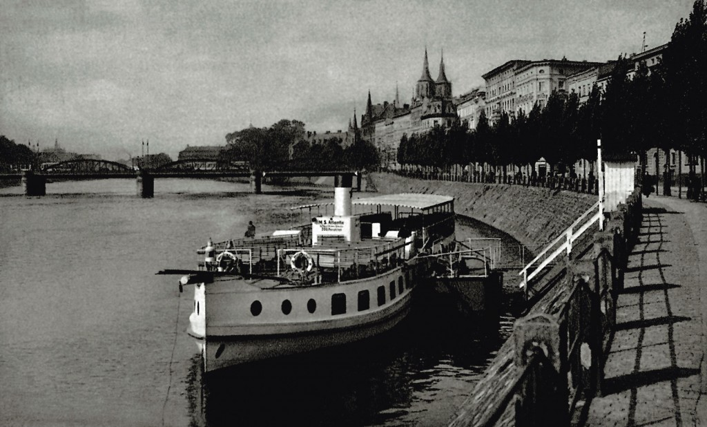 Bulwar Lecha i Marii Kaczyńskich
