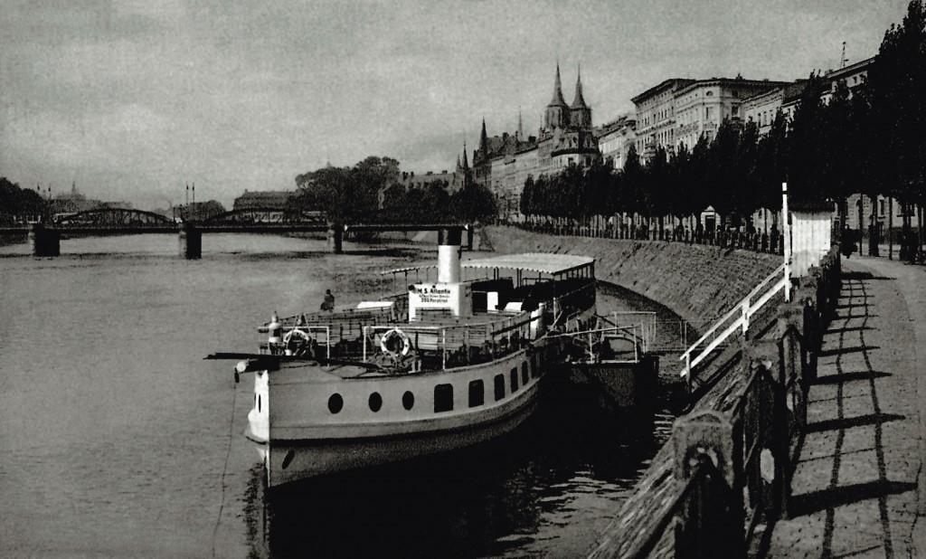 Boulevard of Lech and Maria Kaczyński