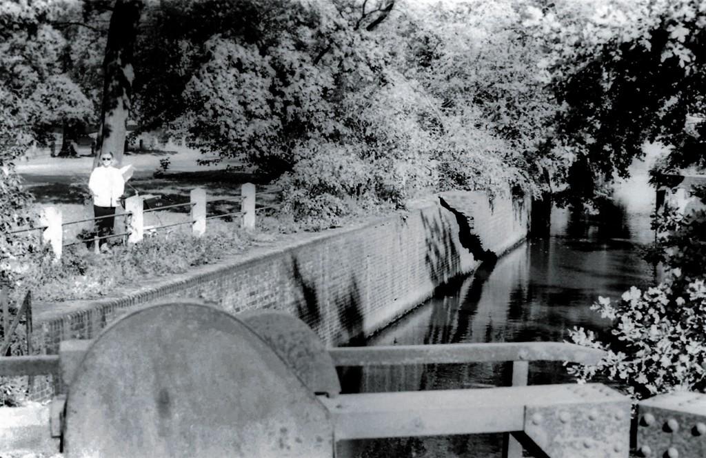 Burgher's Lock photograph by Andrzej Mastalerz.