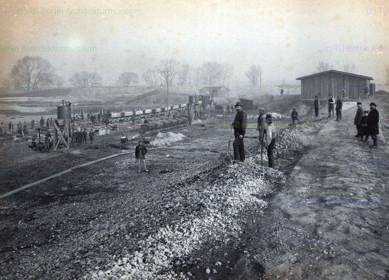 Construction of the City Lock